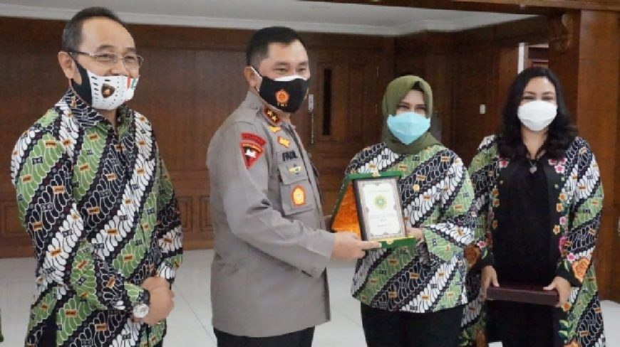 Kapolda Jatim, Irjen Pol Muhammad Fadil Imran saat menemui pengurus Ikatan PPAT Jatim : Foto: Bidhumas Polda Jatim