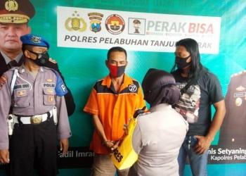 Pelaku MN saat diamankan di Mapolres Pelabuhan Tanjung Perak /Ist