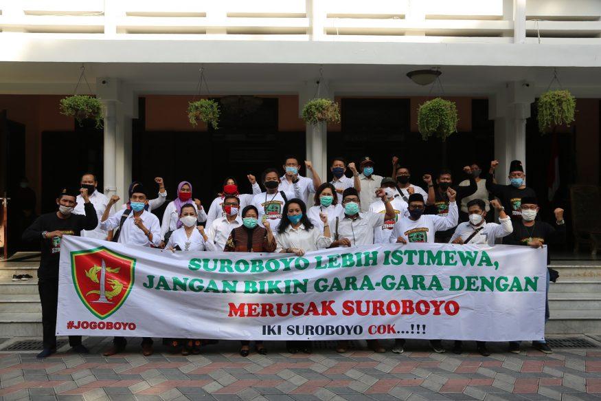 Komunitas Jogoboyo saat bertemu Wali Kota Risma di rumah dinas/ist