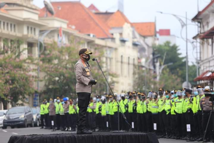 Apel pasukan pengamanan di depan halaman Mapolrestabes, Jum'at (27/11) /Ist