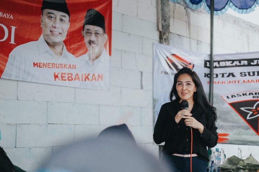 Rieke Diah Pitaloka di saat kampanye di Surabaya/ist