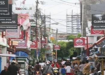 Foto. Dok. kawasan eks lokalisasi Dolly-Jarak sebelum resmi ditutup  pada 2014 silam   source: hipwee.com