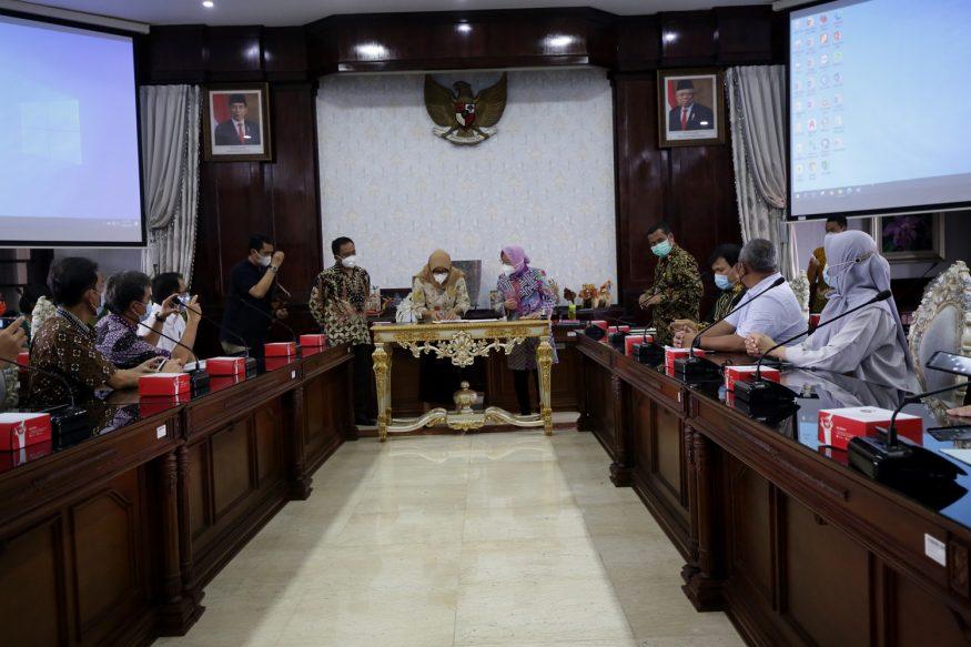 Pertemuan Wali Kota Risma dengan KPK/ist