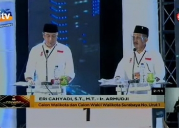 Pasangan Eri-Armuji saat debat perdana Pilkada Surabaya/ist