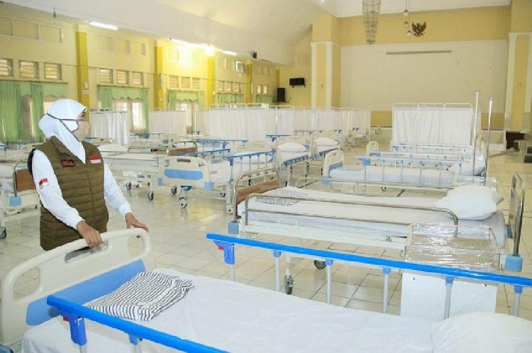 Dok. Gubernur Khofifah meninjau kondisi ruangan perawatan pasien Covid-19 di RS Lapangan Indrapura, Jum'at (22/5/2020) /dok. Humas Prov Jatim