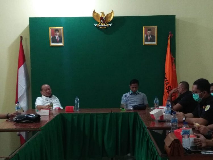 Ketua DPD RI, La Nyalla Mahmud Mattalitti saat sidak di Bawaslu Surabaya /Ist