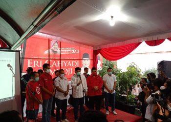 Eri Cahyadi saat deklarasi kemenangan versi hitung cepat/bicarasurabaya.com