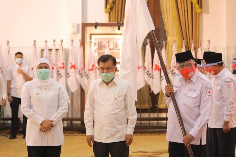 Ketua Umum PMI Muhammad Jusuf Kalla, bersama Gubernur Jatim, Khofifah Indar Parawansa saat acara pelantikan /Ist