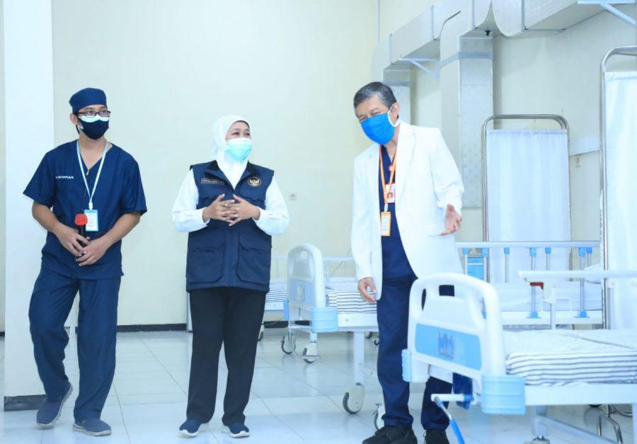 Gubernur Khofifah saat meninjau kesiapan bed di salah satu Rumah Sakit di Jatim /Ist