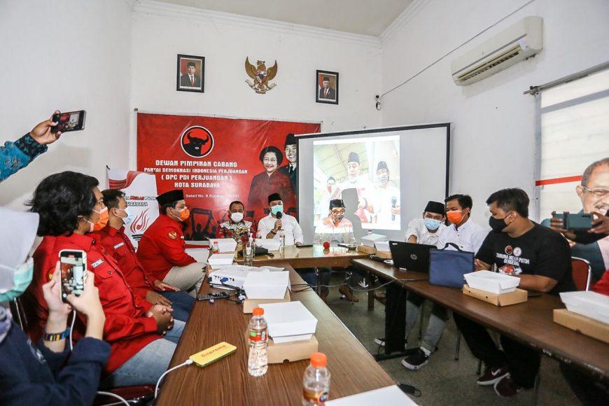 DPC Taruna Merah Putih Surabaya menggelar diskusi relawan milenial yang diselenggarakan di kantor DPC PDIP Surabaya, Jumat (18/12/2020)/ist