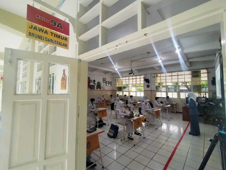 Simulasi sekolah tatap muka di SMPN 1 Surabaya /Bicara Surabaya