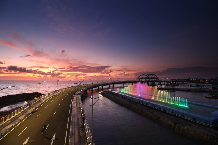 Jembatan Suroboyo di pesisir utara Surabaya/ist