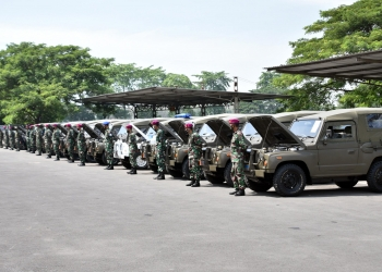 Penyerahan kendaraan dinas operasional /dok. Dispen Kormar