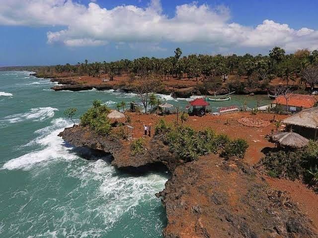 Pulau oksigen Gili Iyang, Sumenep Jawa Timur / source: instagram @khofifah.ip