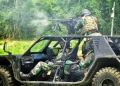 Prajurit Yontaifib 2 Mar Pasmar 2 Latihan Menembak di Atas Rantis ATAV P6