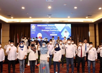 Foto bersama usai pelantikan ICMI Muda Jatim /Ist