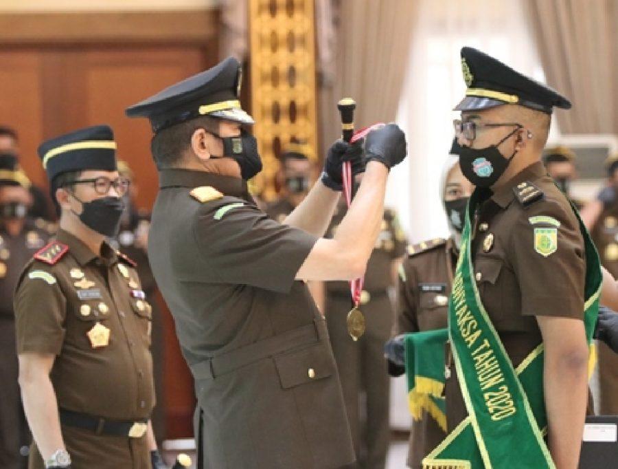 Foto Ilustrasi: Jaksa Agung saat memimpin Upacara Penutupan Pendidikan dan Pelatihan Pembentukan Jaksa (PPPJ) Angkatan LXXVII Tahun 2020 di Jakarta, Rabu (23/12/2020) /Ist