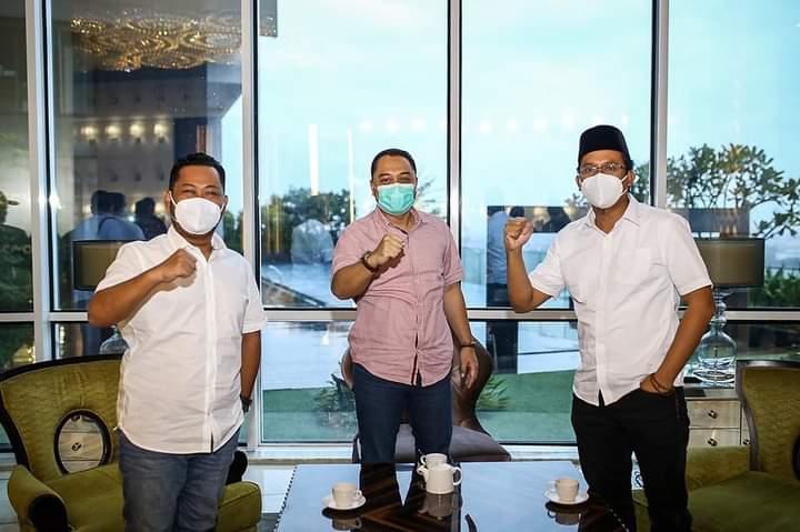 Dari kiri, Bupati Gresik terpilih Akhmad Yani, Wali Kota Surabaya terpilih Eri Cahyadi serta Bupati Sidoarjo terpilih Ahmad Muhdlor /Ist