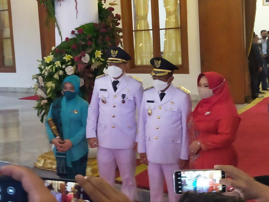 Wali Kota dan Wakil Wali Kota Surabaya, Eri Cahyadi-Armudji usai dilantik di Gedung Negara Grahadi, Jum'at (26/2/2021) sore /Bicara Surabaya