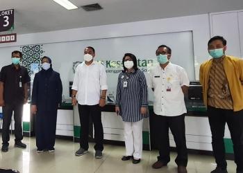 Wali Kota Surabaya saat bertemu dengan Kepala BPJS Cabang Surabaya/ist